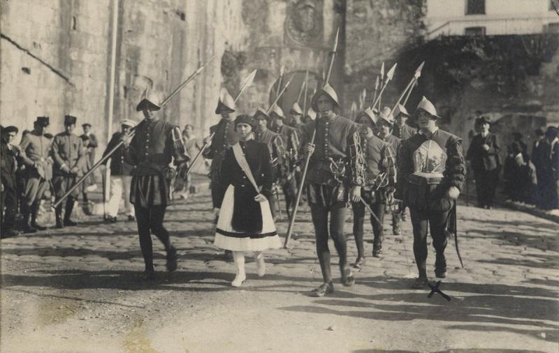 Alarde celebrado en Hondarribia en 1926. Foto: Diputación (vía twitter)