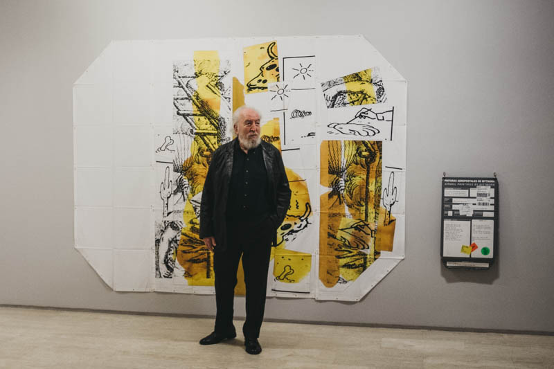 El artista Eugenio Dittborn en el Koldo Mitxelena. Fotos: Santiago Farizano