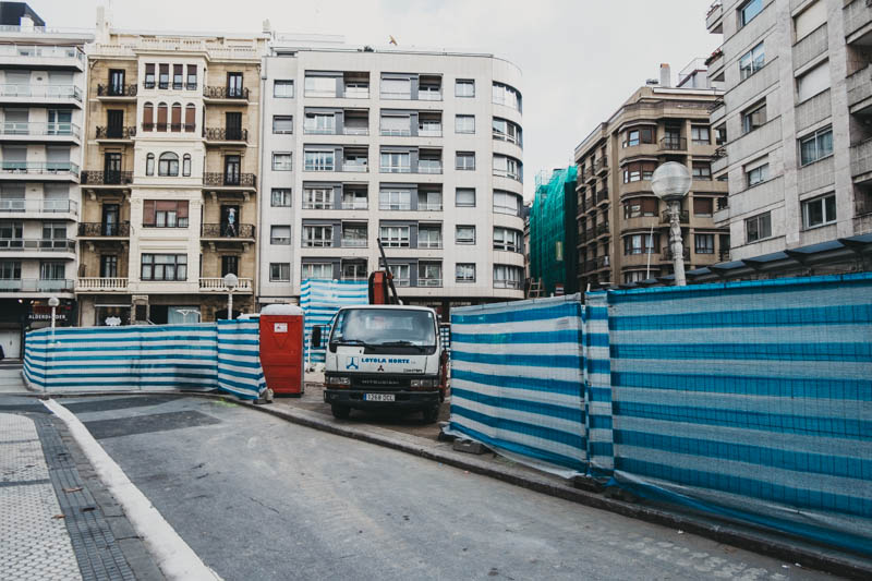 Obras de esta semana junto al Hotel de Londres. Foto: Santiago Farizano