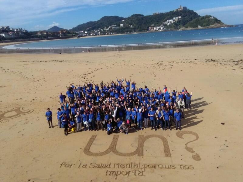 Convocatoria de Why Not en la playa de la Concha. Foto: A.E.