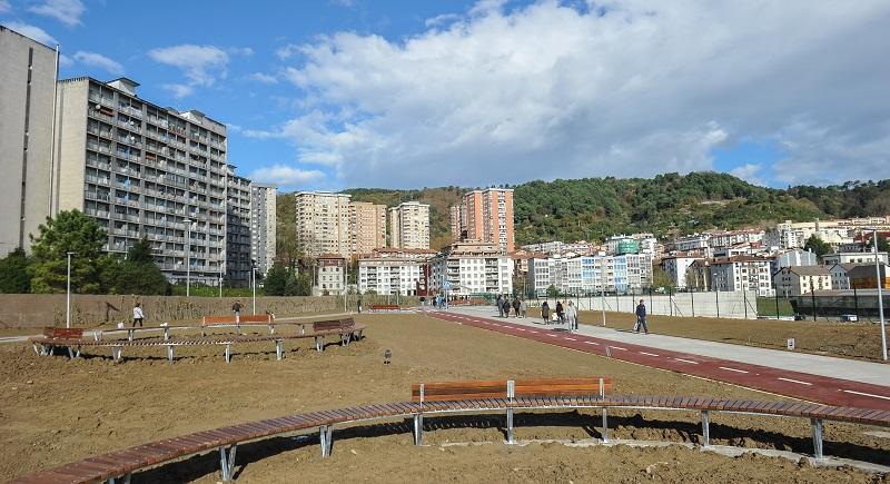 Vista del nuevo enlace peatonal y ciclista entre Herrera y Trintxerpe. Foto: Gobierno Vasco.