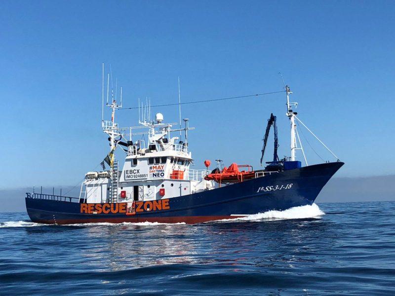 El Aita Mari viaja a  Grecia con ayuda humanitaria. Foto: Maydayterraneo