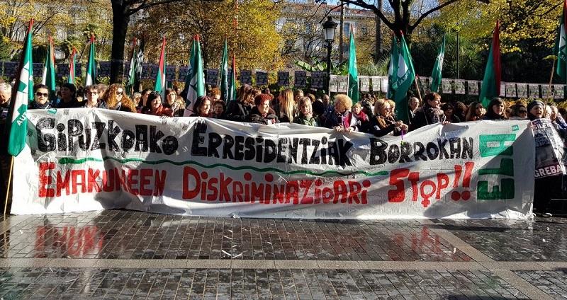 Concentración de trabajadoras de las residencias de Gipuzkoa. Foto: ELA.