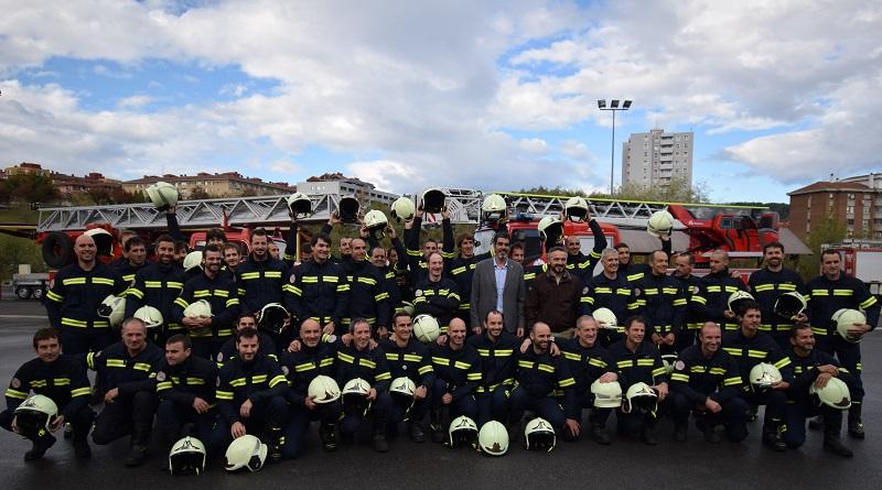 Los 42 nuevos bomberos de la capital gipuzkoana. Foto: Donostiako Udala.
