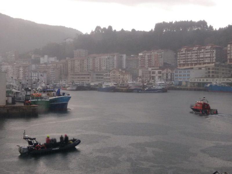 Operativo de búsqueda del pescador de Arrasate desaparecido en Ondarroa. Foto: Cruz Roja Bizkaia.