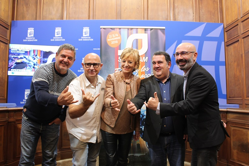 Stan Polo de SPORTJAM, Jabier Fuentes de Aktiba, Maite Cruzado, Ernesto Gasko y Manu Narvaez. Foto: Ayto.