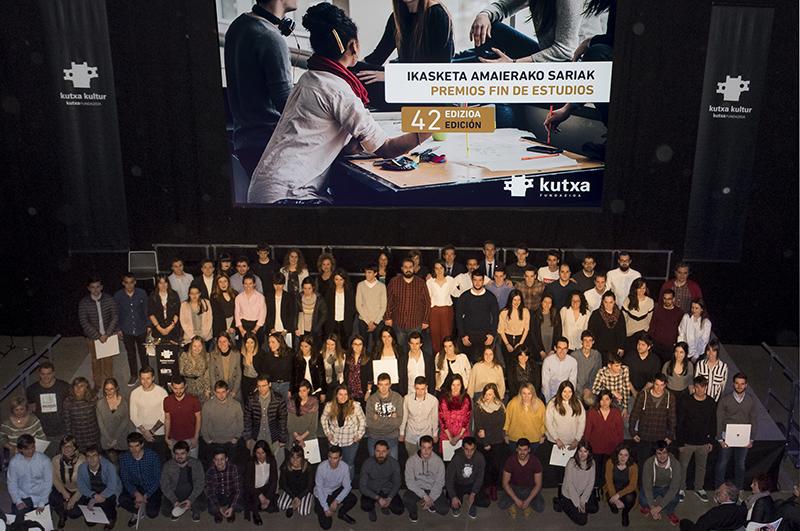 Imagen de grupo de los premiados. Fotos: Kutxa/S.F