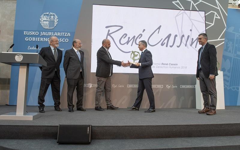 El Lehendakari Urkullu entrega los galardones. Foto: Gobierno vasco
