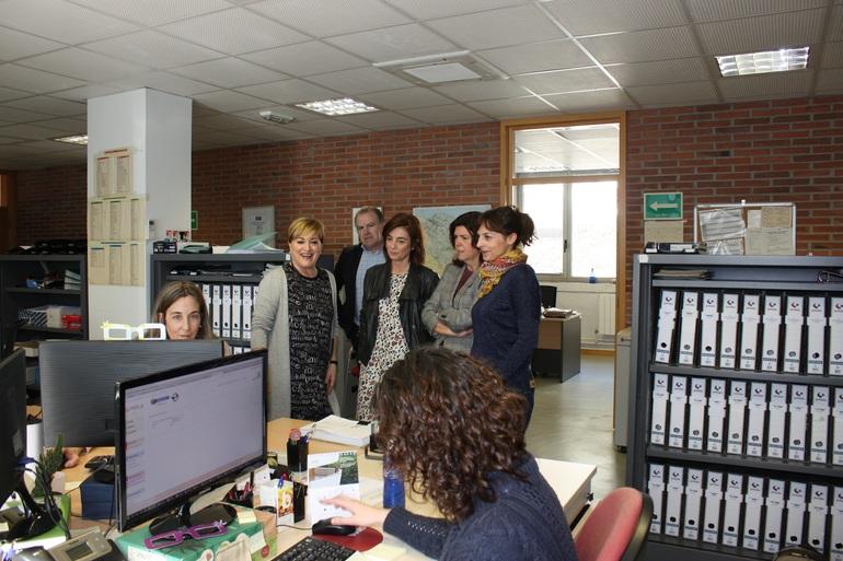 Visita oficial a la sede, en Eibar, el pasado año. Foto: Gobierno vasco