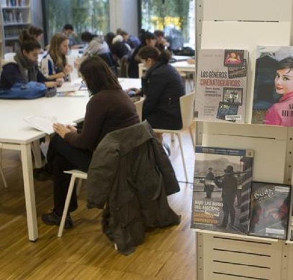 Gidan agertzen diren argazkietariko bat. Irudia: Donostia Kultura.