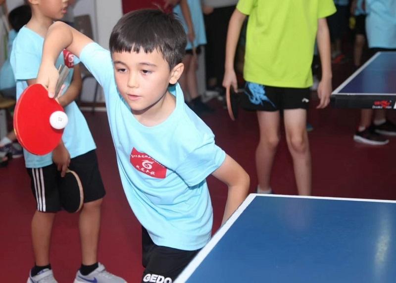 Joven jugador de ping-pong. Fotos: Sugoi Gómez.