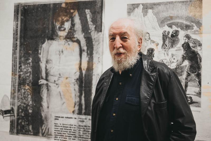 El artista Eugenio Dittborn en el Koldo Mitxelena con motivo de 'Bestea Naiz'. Foto: Santiago Farizano