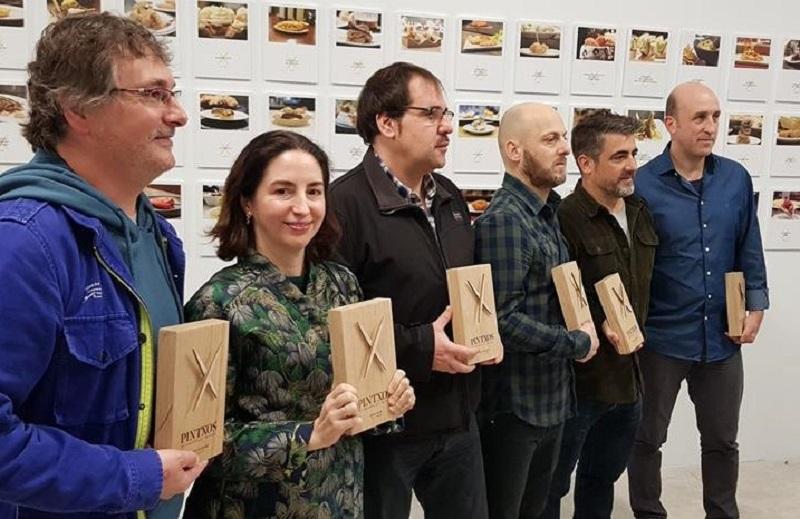 Varios de los chefs con estrella Michelin, en la presentación de la app con los 99 mejores pintxos donostiarras. Foto: Dimensión.