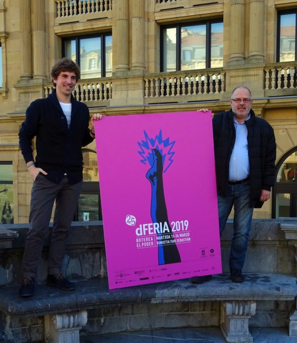 El concejal Jon Insausti y el director de Dferia Norka Chiapuso hoy en la presentación del Teatro de Calle. Foto: Donostia Kultura