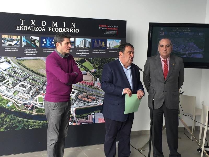 Enrique Ramos, Ernesto Gasco y Arriola. Foto: Ayto.