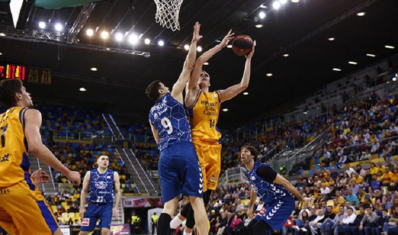 El partido en Gran Canaria fue de enorme intensidad. Foto: Gipuzkoa Basket.