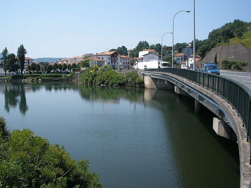 Puente internacional de Behobia, donde se desarrolló la operación. Foto: Zarateman.