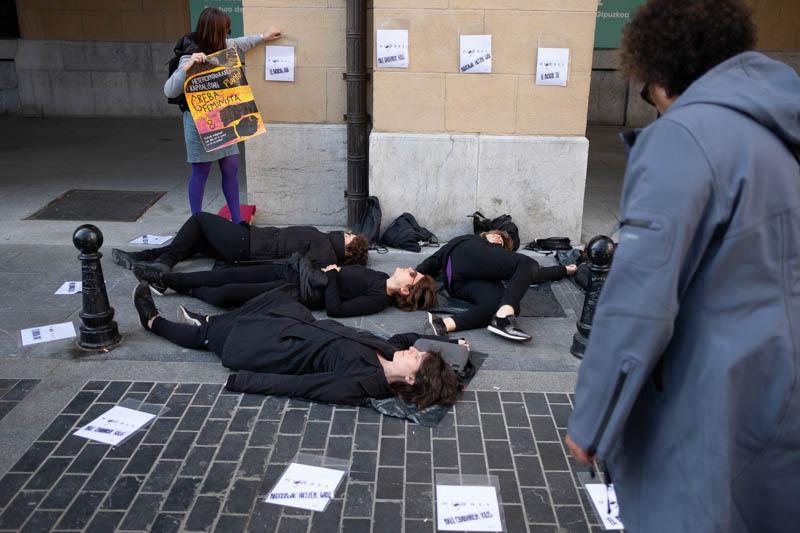 Convocatoria feminista este mediodía en Donostia. Fotos: Santiago Farizano
