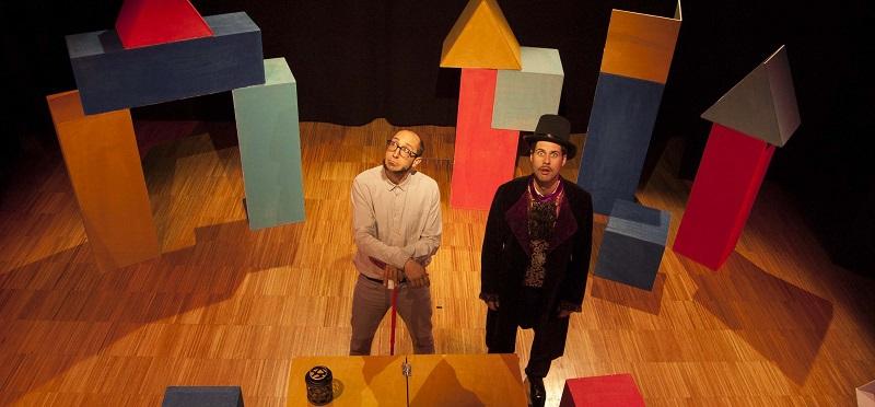 Espectáculo infantil 'Drakula buruz behera' el sábado en Larrotxene KE. Foto: Ameztu Produkzioak