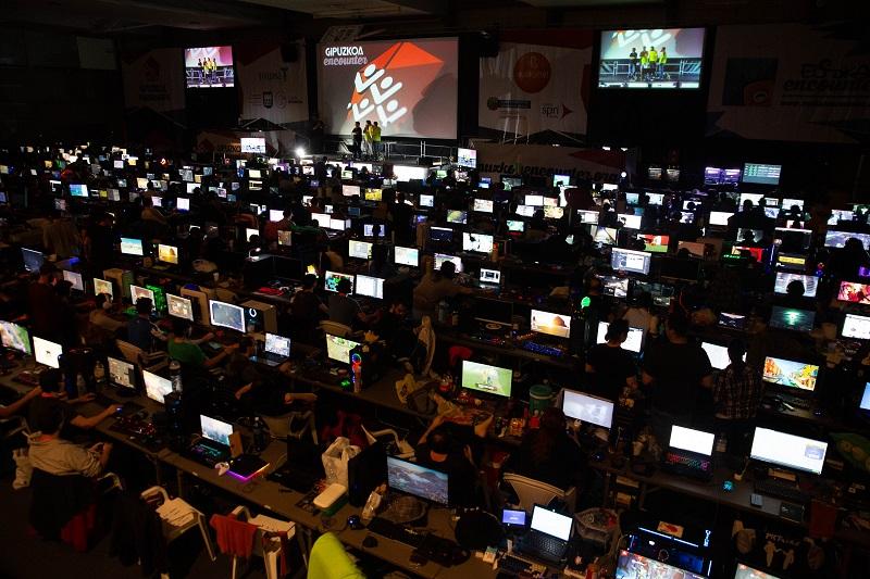 Vista nocturna del encuentro tecnológico en 2019. Foto: Gipuzkoa Encounter