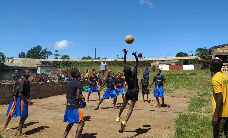 Las instalaciones deportivas no abundan en el África más pobre. Foto: Haurralde Fundazioa.