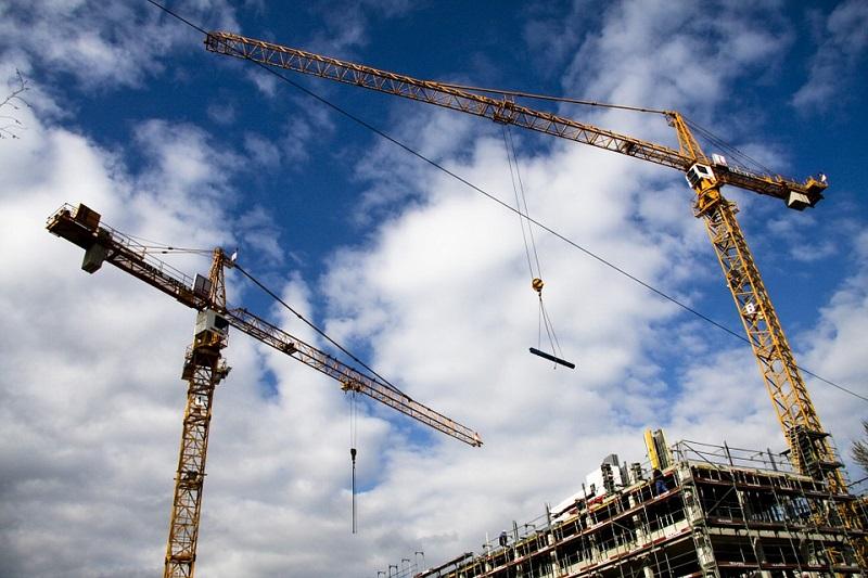 El sector de la construcción destacó por su subida en febrero.