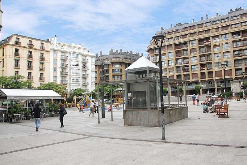 Plaza de Nafarroa Beherea. Foto: Grupo Norte Sur.