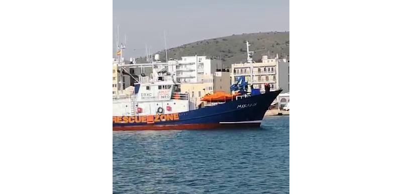 El Aita Mari llega a Quíos. Foto: SMH