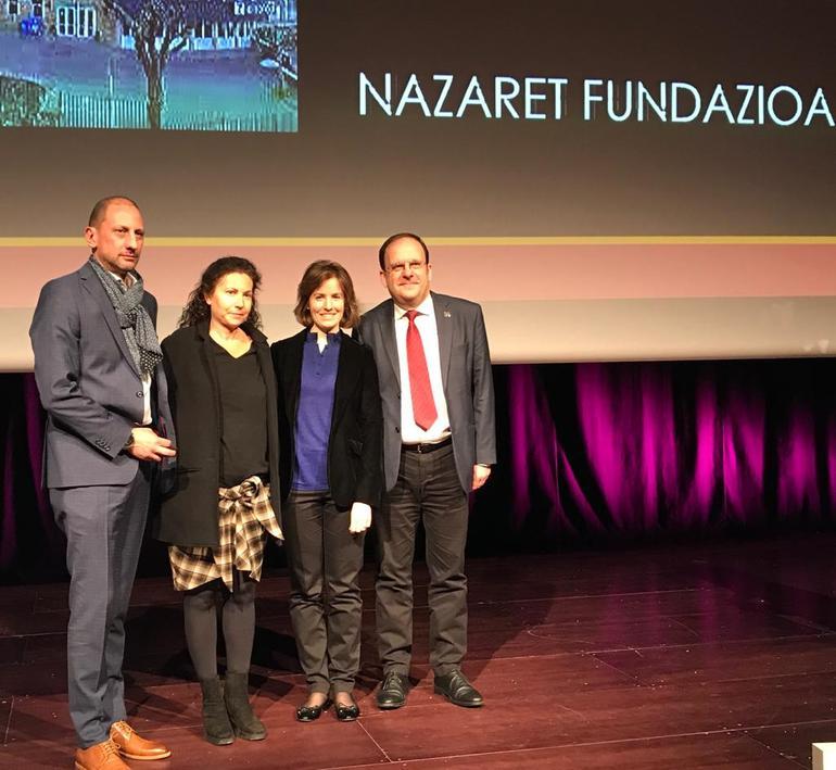 La insignia de la Federación Mercantil de Gipuzkoa este año ha sido concedida a Nazaret Fundazioa. Foto: Gobierno vasco