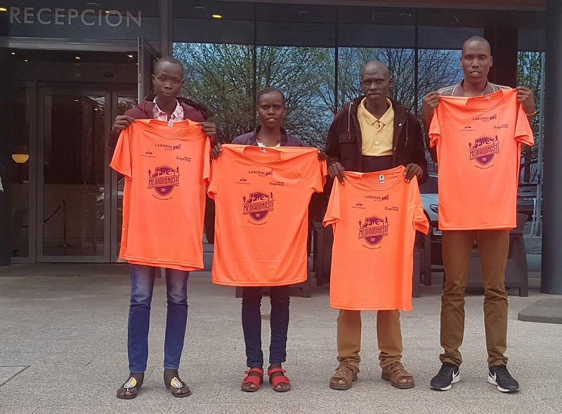 Atletas de Kenia que participarán en la carrera.