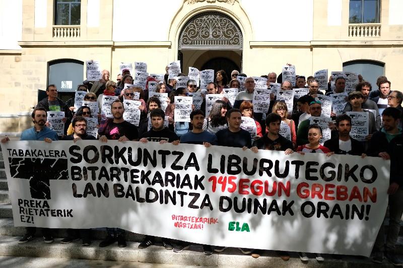 Concentración de mediadores de Ubik el 15 de mayo. Foto: Santiago Farizano