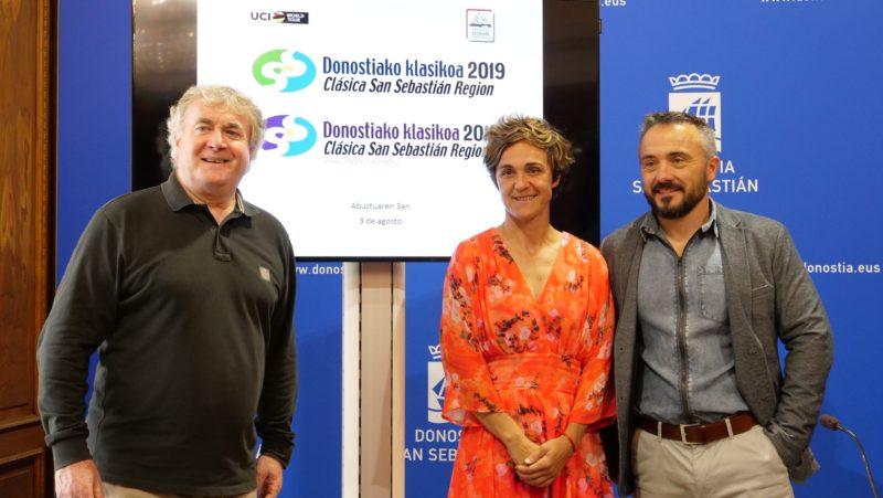 Julián Eraso, Leire Olaberria y el concejal delegado Martín Ibabe.