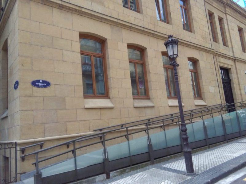 Entrada a la haurreskola de Amara Berri desde la calle Urdaneta. Foto: A.E.