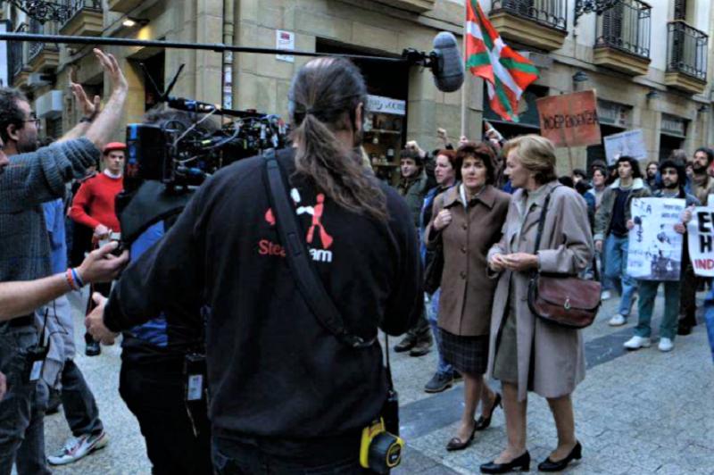 Rodaje de la serie 'Patria' en la Parte Vieja donostiarra. Foto: HBO Europe.