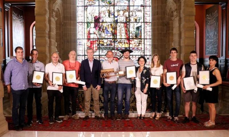 Entrega de premios a los sidreros. Foto: Diputación