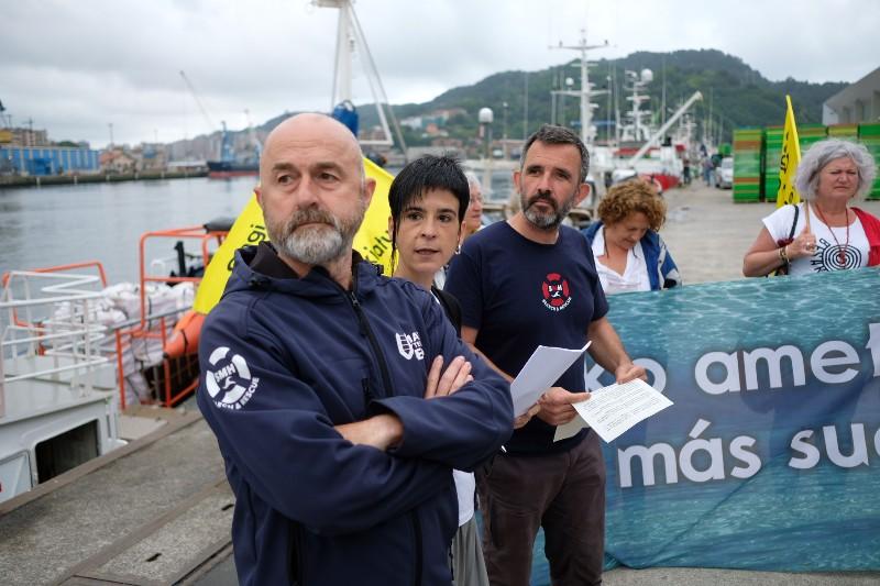 Tripulación del Aita Mari en Pasaia el 1 de julio. Foto: Santiago Farizano