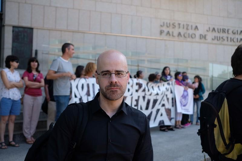 El representante de las víctimas Mario Díez hoy en el juzgado. Foto: Santiago Farizano
