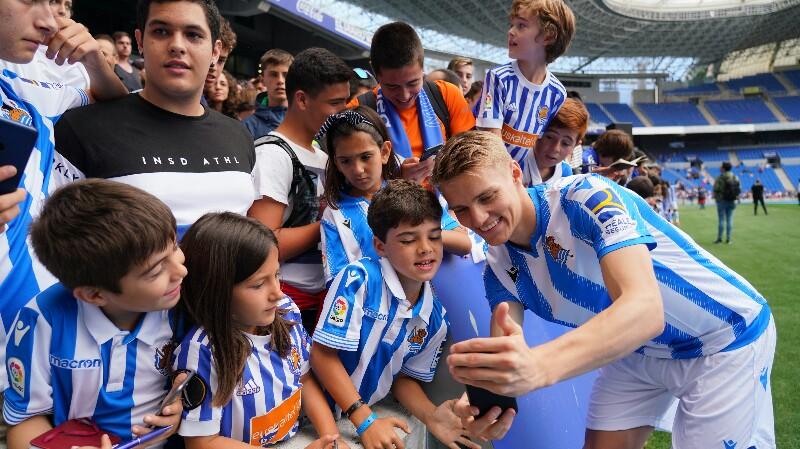 Presentación de los nuevos jugadores. Fotos: Real Sociedad