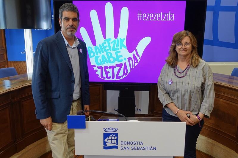 Eneko Goia y Duñike Agirrezabalaga durante la presentación de la campaña. Foto: Ayto.