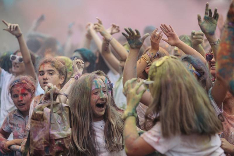 La fiesta Holi fue un éxito. Fotos: Santiago Farizano
