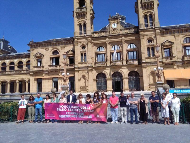 Concentración ante el Ayuntamiento el pasado agosto. Foto: A.E.
