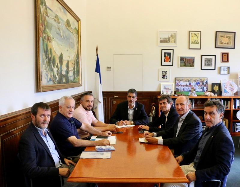 Reunión en el Ayuntamiento sobre la seguridad en la Semana Grande. Foto: Ayto.