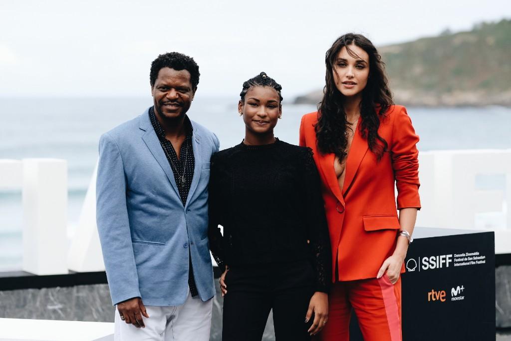 El equipo de 'Pacificado'. Bukassa Kabengele, Cassia Nascimento y Débora Nascimento. Fotos: Santiago Farizano