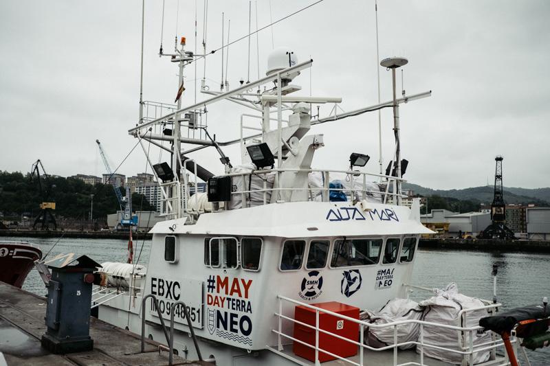 El Aita Mari en Pasaia, el 1 de julio, durante una revisión y mejora del buque. Foto: Santiago Farizano