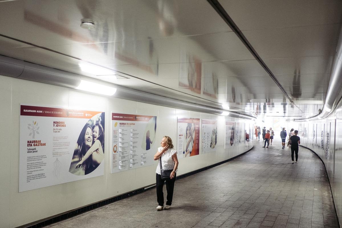 'Semillas de solidaridad' en el pasadizo de Egia. Fotos: Santiago Farizano