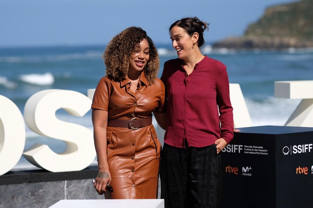 La guionista Theresa Ikoko y la directora Sarah Gavron. Foto: Santiago Farizano