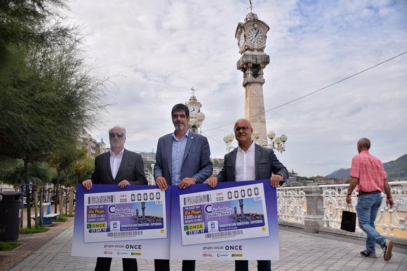 Presentación de los cupones hoy en Donostia. Foto: Ayto.