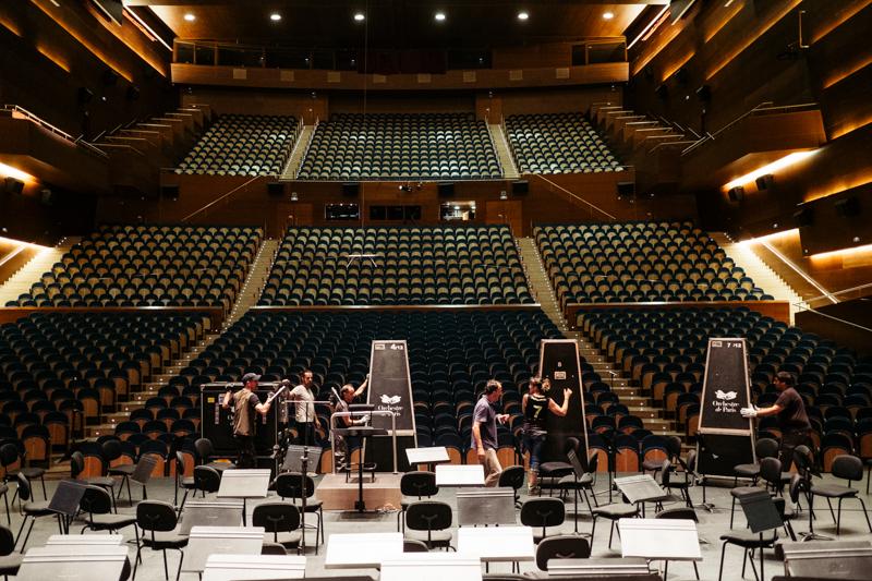 Montaje en el escenario del Auditorio del Kursaal. Foto: Santiago Farizano
