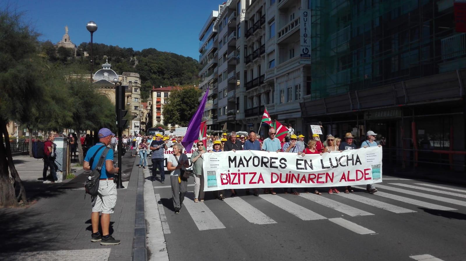 Pensionistas hoy en San Sebastián. Foto: Plataforma de Asociaciones de Mayores