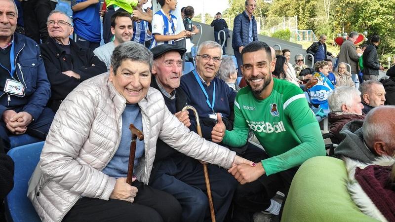 Visita de los mayores a Zubieta. Foto: Real Sociedad